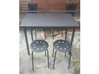 Table a 4 chairs