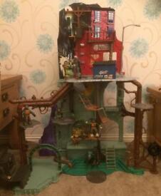 Turtles Sewer Lair, figures, van and blimp toy playset