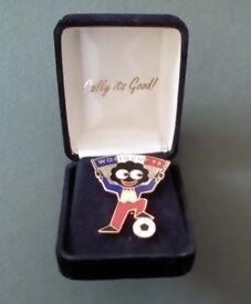 Robe.rtson's Boxed World Cup 1998 Footballer Badge.