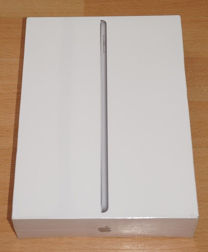 iPad 5th Gen, 2017 Model, 32GB, Brand New and Boxed. Still Sealed!! Perfect Gift!!