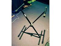 KEYBOARD STAND FOR ALL TYPES OF ELECTRONIC KEYBOARDS. ADJUSTABLE HEIGHT AND LENGTH.