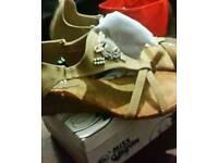 Ladies sandals /slippers