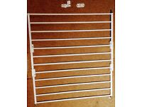 Adjustable toddler-proof stairgate & fittings