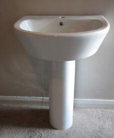 High quality bathroom sink and pedestal