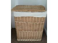 Clothes basket for laundry
