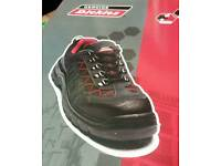 New Dickeis working boots