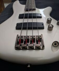 Electric bass Ibanez SR300 PW, like new