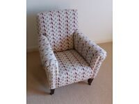 Small arm chair suitable for child / upholstering (armchair)