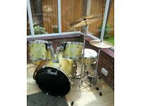 Pearl 5 piece drum kit