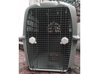 Dog transport kennel XL-size (for approx. 30 kg / 65 lbs dogs)