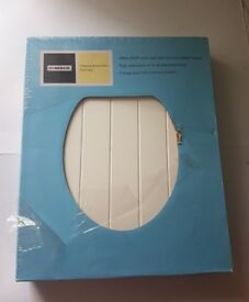 HOMEBASE Tongue and Groove Effect Toilet Seat