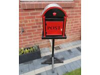 (#594) wooden post box with key (Pick up only, Dy4 area)