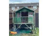 Wooden play/Wendy house