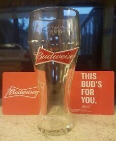 BRAND NEW BUDWEISER PINT GLASS CRISP COLD BEER COLLECTORS GLASS