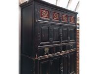 Antique Chinese cabinet - Beautifully hand carved