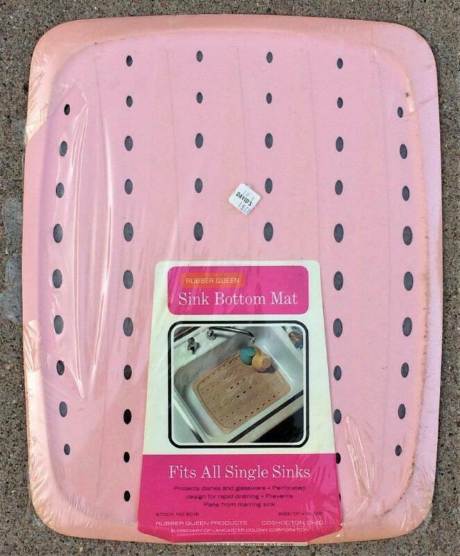 """Vtg 1970 Rubber Queen Sink Mat. Orig Pkg 13"""" x 16.5"""" TRUE PINK #6018 NOS"""