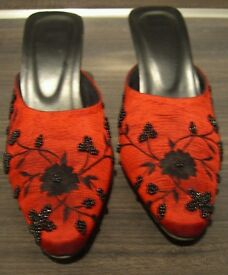 Gorgeous embroidered, red evening slippers size 3-4 , as new