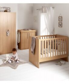 Mamas and papas 3 piece cot set