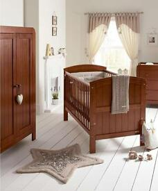 Mamas and Papas Hayworth Nursery Furniture Set in Walnut