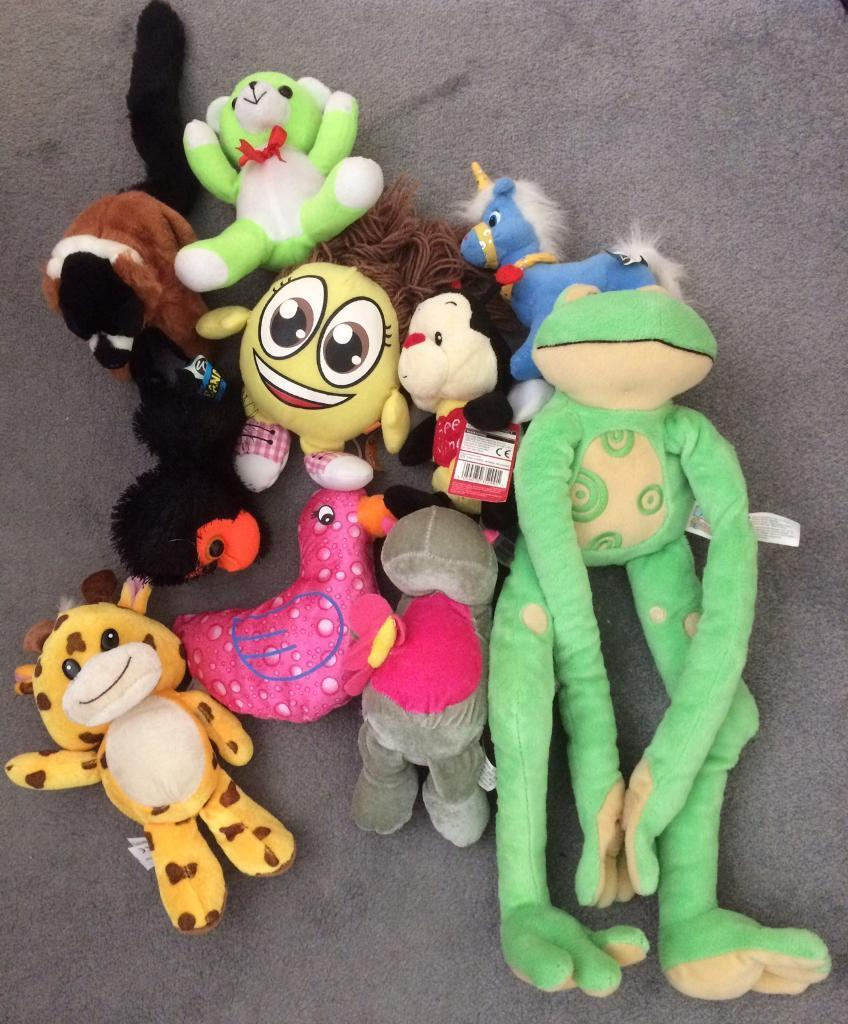 Collection of 10 soft toys