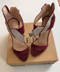 L@@K GORGEOUS!!! Maroon Suede Diamonte Heels!! ONLY £12 Size 3 – 4