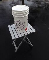 Clean 5 gallon pails with cover