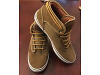 Globe Motley Skate Shoe - Size 9