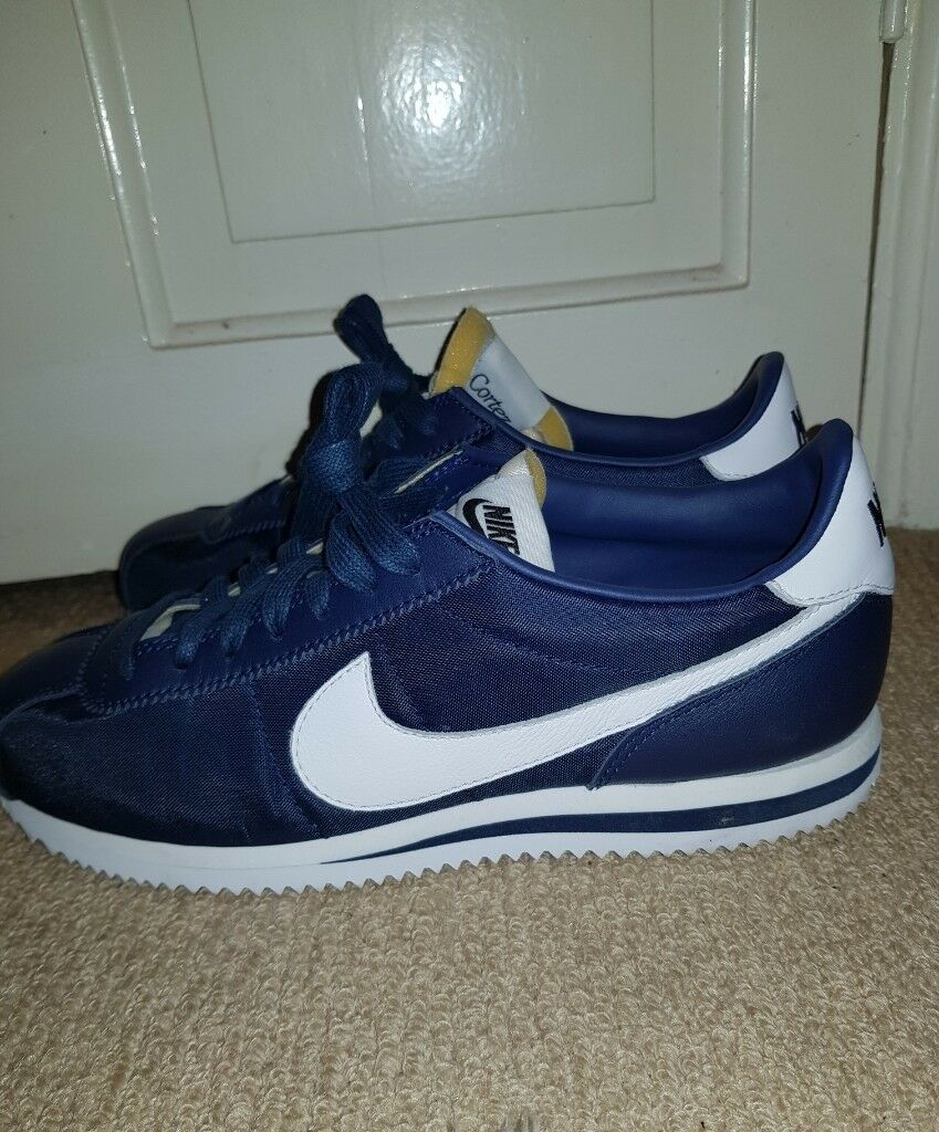 nike cortez navy trainers for men size 7.5