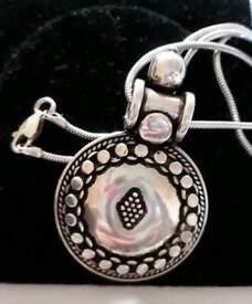 Silver sheild pendant necklace 925