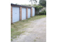 Garage to rent Kingswood