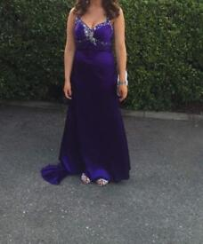 Selling my prom dress that has only been worn once.