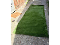 NEW ROLL ARTIFICIAL GRASS. IDEAL SIZE FOR SMALL AREA