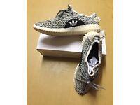Brand New With Box Unisex Adidas Yeezys White/Black £25