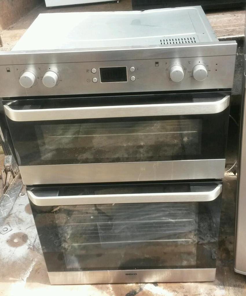DOUBLE BUILT IN OVENBEKOELECTRICin Moseley, West MidlandsGumtree - STAINLESS STEEL / BLACK COLOUR EXCELLENT WORKING ORDER VERY GOOD CONDITION VERY CLEAN DIMENSIONS H 90CM, W 60CM, D 60CM FAN ASSISTED ELECTRIC OVEN CAN BE SEEN WORKING VIEWING AND INSPECTION WELCOME MIGHT DELIVER FOR A SMALL FEE