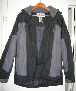 Winter Coat, size Men's small