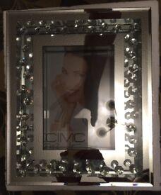 Mirror effect diamantes photo frame