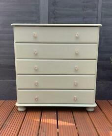 Chest of drawers (mediums) with bumble bee handles