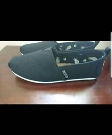 Size 4 soul and Co canvas shoes, never worn