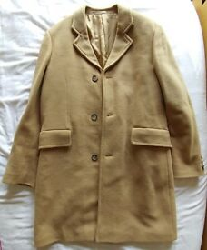 Men's three quarter length camel coat. Great condition. Size 40 (Medium)