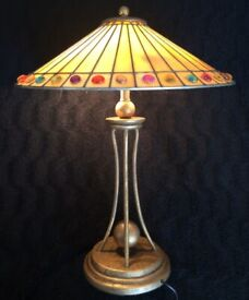 INTERIORS 1900 Tiffany / Art deco table lamp (hand made) in excellent condition for sale