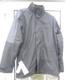 Regatta Defender 111, Professional 3 in 1 Mens Jacket. Size Small.