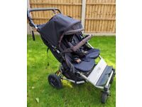 Mountain Buggy Duet V3 in Black