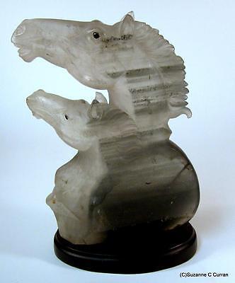Vintage Tallada Cuarzo Cristal de Roca Doble Cabeza Caballo Escultura Artista