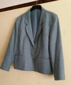 DARK GREEN LADIES JACKET – SIZE 18