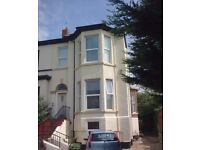 exec 2 bed 1st fl apt, gch, dg, fit kit with fridge and oven, ensuite, pking, good area must view