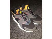 Nike huaraches UK10 £40