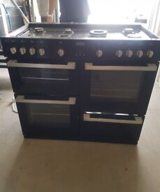 Belling Range GAS Cooker DB4 100G in Black, 2.5 years old, its too big for new property