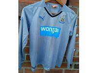 Newcastle United away football shirt Puma Wonga Youth kids Review tags UK30/32 & measurement