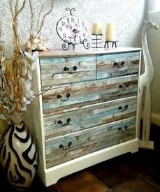 Chest of drawers with shelf