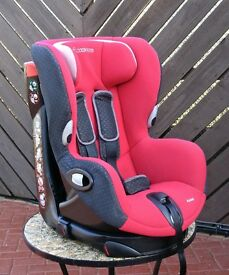 Childs Car Seat in Excellent condition.